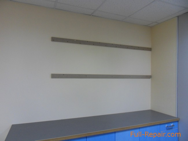 Kitchen Cases On The Walls Of Plasterboard, How To Fix Kitchen Units Plasterboard Wall